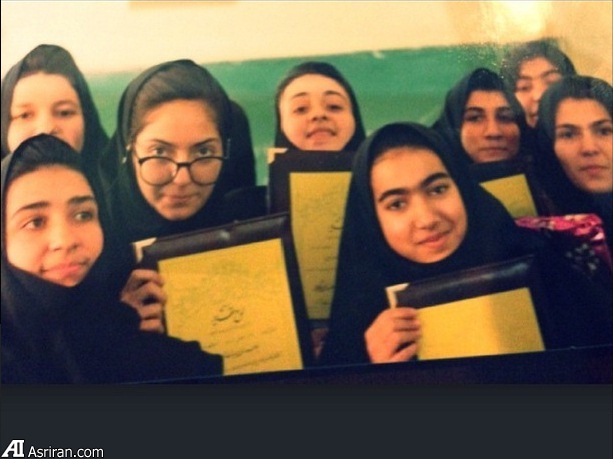 عکس بازیگر زن مهناز افشار در دوران دبیرستان