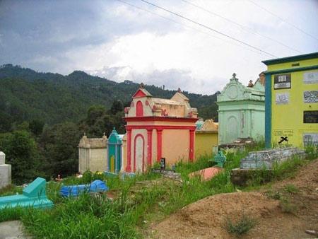 شادترین گورستان دنیا در گواتمالا (+ تصاویر )