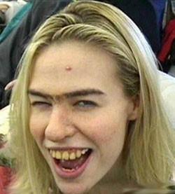 پیدا کردن شوهر اینترنتی توسط دختر ننه قمر«دلربا»! (طنز)