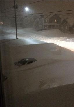 شهری که با برف در کانادا مدفون شد (عکس)