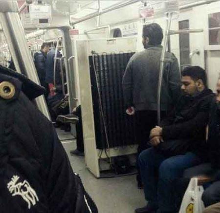 عکسی واقعا عجیب از مترو تهران !!