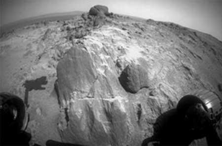 یافت سنگ های عجیب در مریخ توسط فرصت