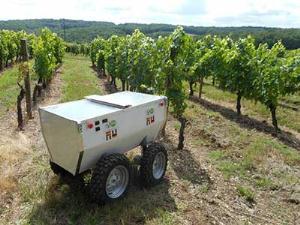 ساخته شدن روبات کشاورز (عکس)