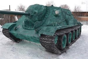 تانکی که کاملا از برف ساخته شده است + تصاویر