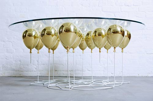یک میز غذاخوری با طراحی متفاوت و عجیب