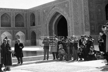 سفر ملکه انگلیس به ایران در سال 1339