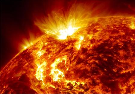 200 میلیون تصویر از زندگی خورشید
