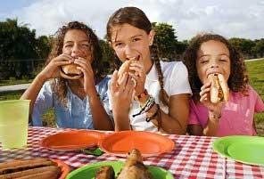 10 توصیه مهم برای میان وعده غذایی کودکان