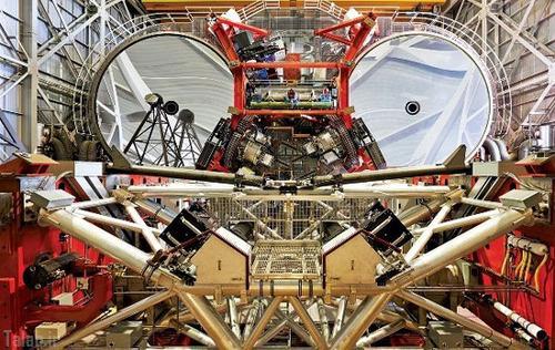 تلسکوپی که شبیه آدم آهنی است + عکس