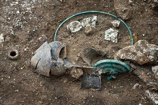 کشف کردن آثار باستانی عظیم در فرانسه + عکس