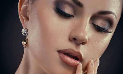 مدل میکاپ صورت زنانه شاد و لایت