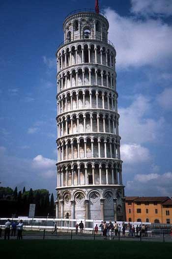 آشنایی با معروف ترین برج های کج شده جهان