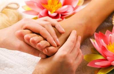 روش درمان ترک کف پا چیست ؟