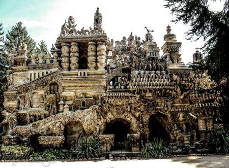 خانه عجیبی که توسط یک پستچی ساخته شد (عکس)