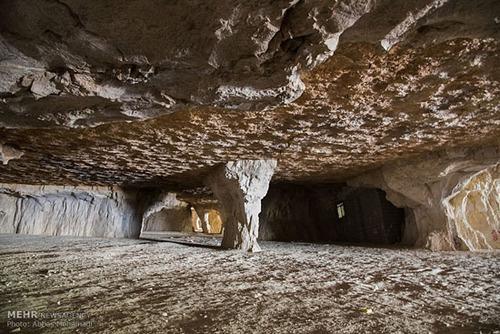 عکس هایی از غار سنگ تراشان در فارس