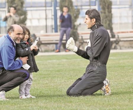 آمپول زدن به بازیکنان استقلال (+عکس)