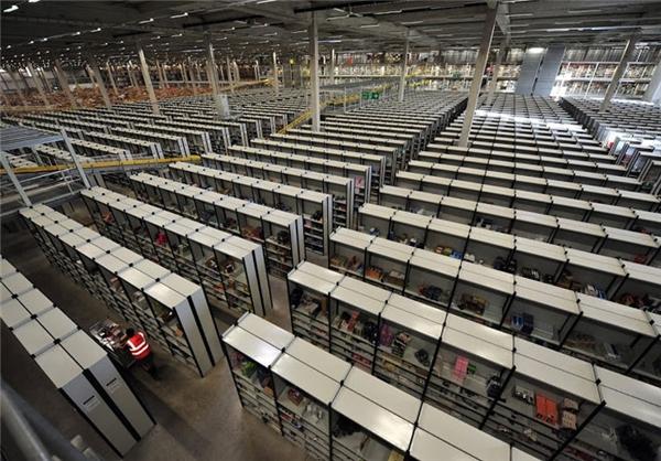 تصاویری از انبار عظیم شرکت آمازون در سال 2015