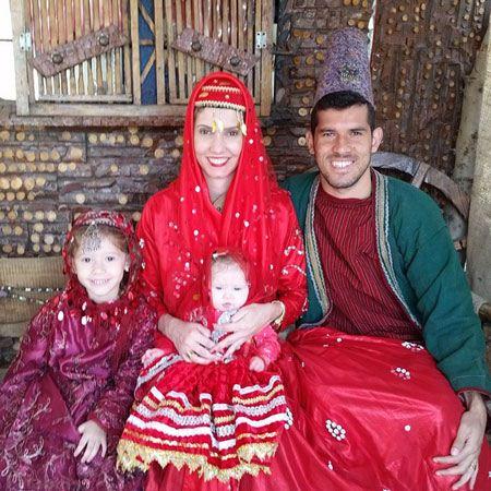 بازیکن خارجی پرسپولیس و همسرش با لباس محلی