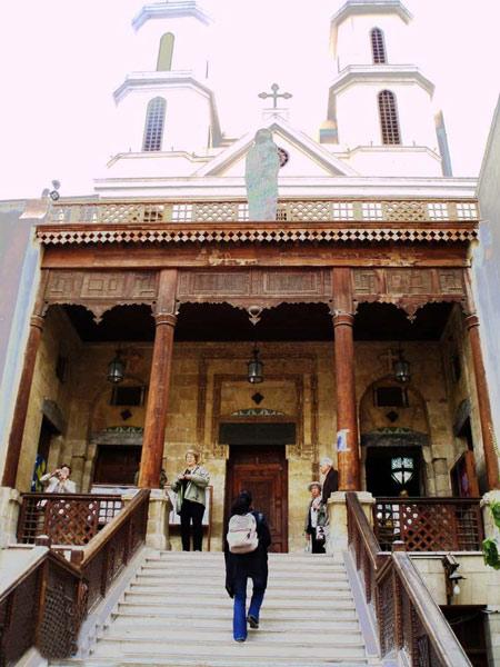 معرفی کلیسای معلق در مصر + تصاویر