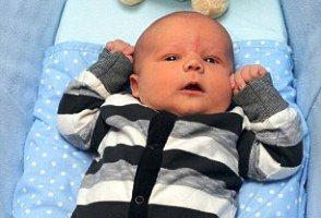 به دنیا آمدن یک بچه غول پس از زایمان 8 ساعته!