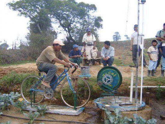 این روستا بدون دوچرخه از بین می رود!