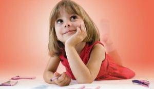 آموزش الفبا به کودکان زیر 7 سال درست یا غلط ؟