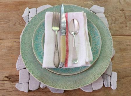 تصاویری از تزئین میز با موزائیک های سنگی
