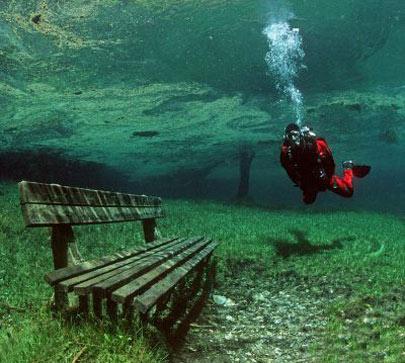 پارک شگفت انگیز در زیر یک دریاچه + تصاویر