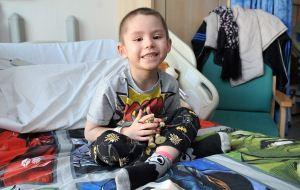 پسر کوچکی که سرطان سخت را شکست داد!
