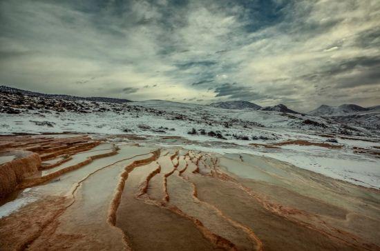 باداب سورت، چشمه حیرت انگیز و زیبا در ایران