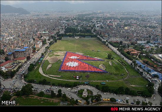 بزرگترین پرچم انسانی جهان (عکس)