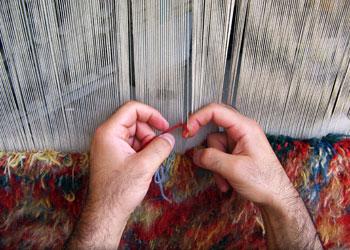 یک قالی چگونه بافته می شود ؟