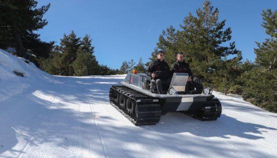 ماشینی برای حرکت در مناطق برفی
