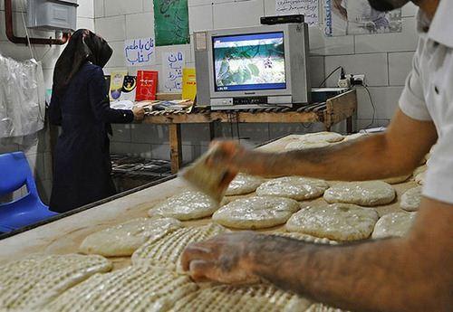 نان به شرط کتاب (عکس)