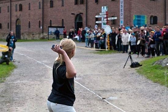تصاویری از فستیوال جالب پرتاب گوشی