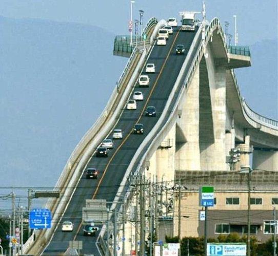 جاده ی ترسناکی که تمام رانندگان از آن می ترسند + عکس