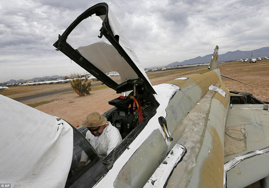 تصاویر دیدنی از قبرستان هواپیماهای جنگی