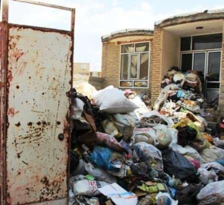 خانه ی زن بوکانی که مانند یک زباله دانی است + تصاویر