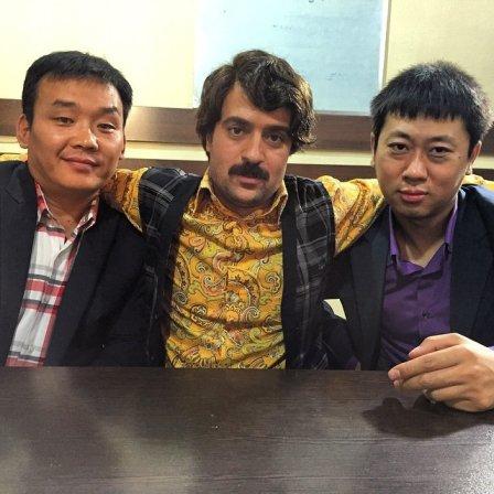 عکس ارسطو و برادرزن های چینی اش
