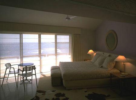 اتاق خوابی زیبا با این دکوراسیون داشته باشید