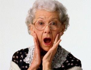پیرزنی که بیش از 80 سال است شن می خورد + عکس