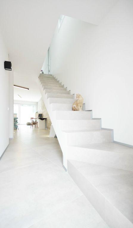 دکوراسیون زیبا و مدرن ویلا با تم سفید