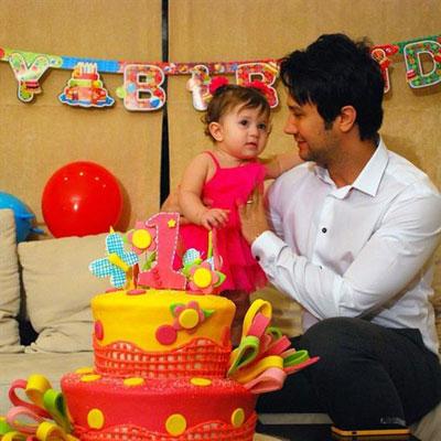 جشن تولد دختر شاهرخ استخری (عکس)