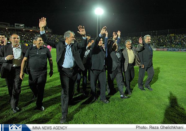 سپاهان نصف جهان قهرمان شد (عکس)
