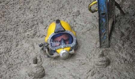 کثیف ترین و فلاکت بارترین کار در جهان (عکس)