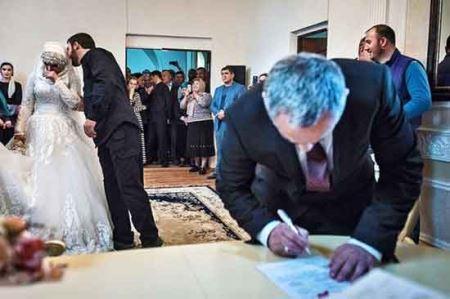 ازدواج اجباری دختر 17 ساله (+عکس)