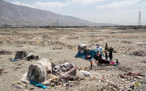 زندگی بی خانمان ها در بیابان های تهران + تصاویر