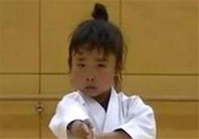 کوچک ترین فرد دارنده کمربند مشکی کاراته (عکس)