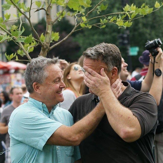 ازدواج همجنس بازها در آمریکا قانونی شد + تصاویر