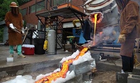 تصاویر دیدنی از پخت غذا با استفاده از گدازه های آتشفشانی